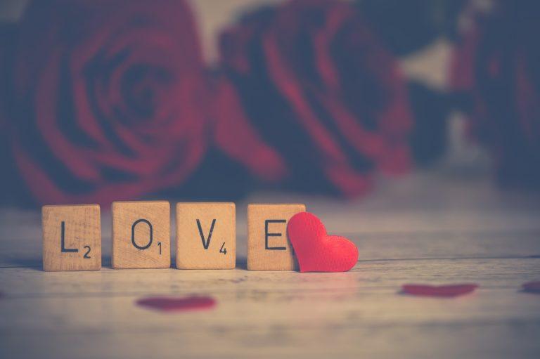 Rekomendasi Kado Valentine Kekinian Buat Orang Terkasih