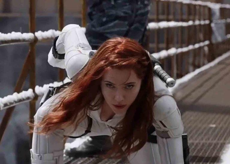 Kostum Black Widow Terinspirasi Dari Komik